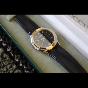 Gucci 8000.2M Watch Works Great